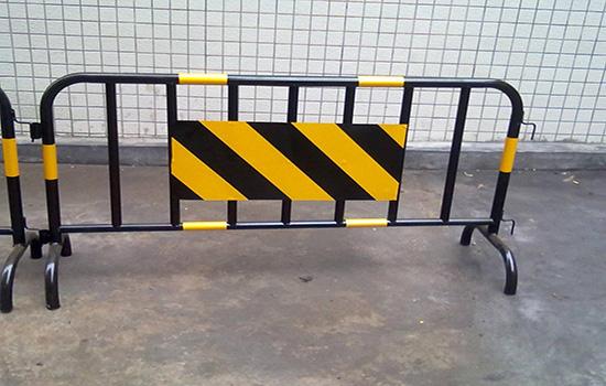鐵馬隔離欄