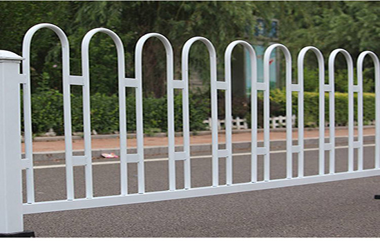 公路中间护栏