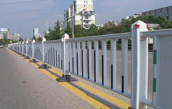 小区道路护栏