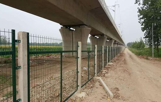 高鐵防護柵欄