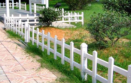 草坪小栏杆