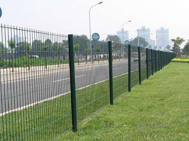 公路隔离网