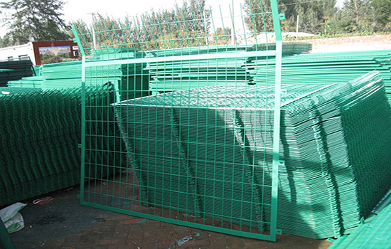 浸塑護欄網