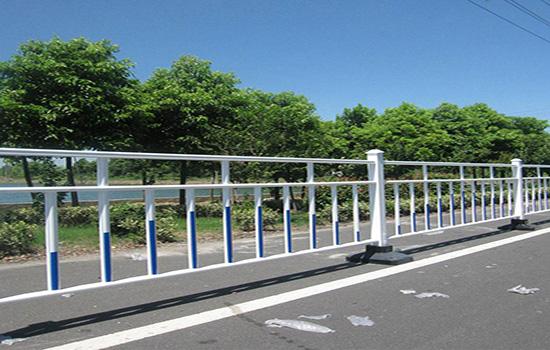 交通隔离栅栏