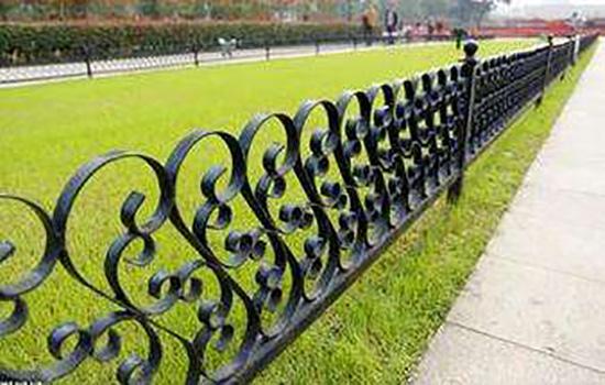 铁艺草坪护栏