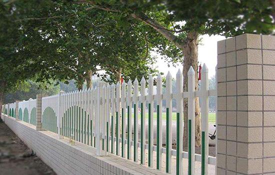 塑鋼圍墻護欄